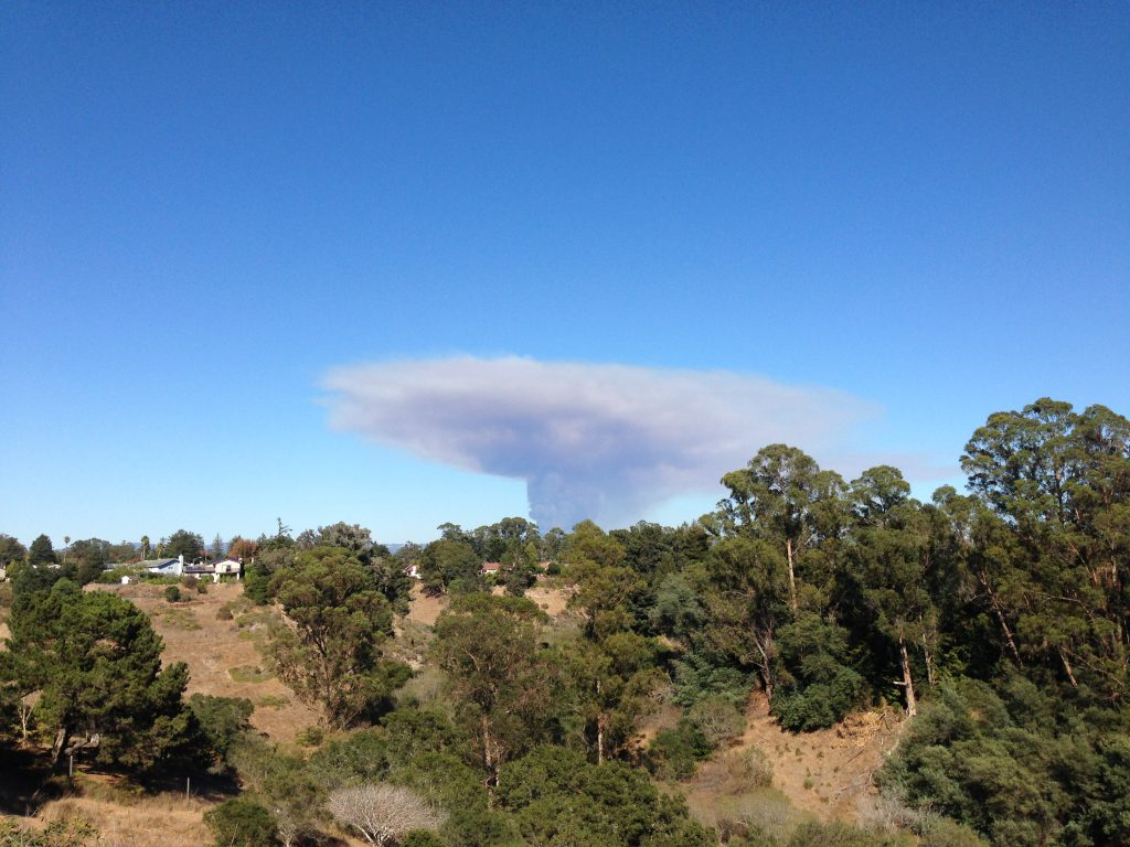 Smoke plume from the Loma fire at 15:41h. 26 September 2016 © Allison J. Gong